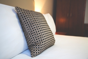saco pindrop serviced apartment bed