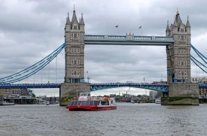 tour-of-the-thames-liquid-history